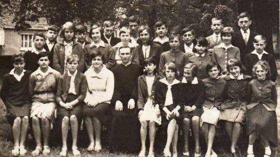 /fot.: Cychry 1965 czerwic kl VII /